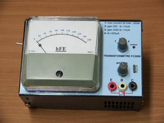 Transistormètre